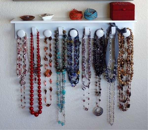 Patères pour suspendre colliers DIY